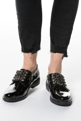 derbies-noir-a-chaines